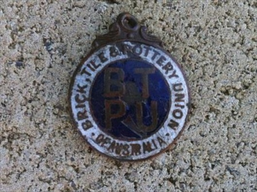 Brick, Tile & Pottery Union of Australia Badge