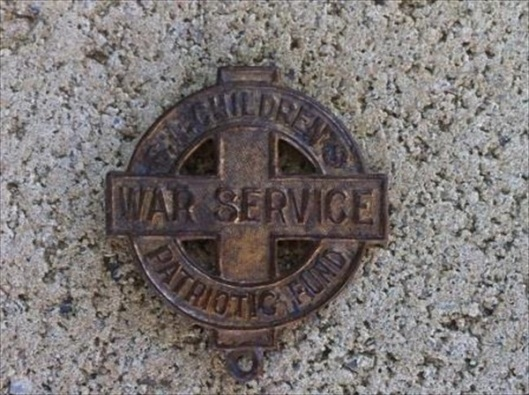 SA Childrens War Service Patriotic Badge.